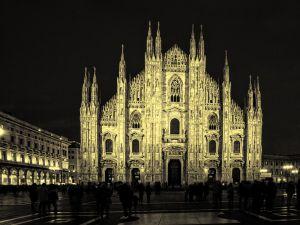 008-Mailand018-4504j-gelb