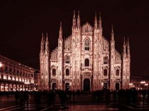 010-Mailand020-4504j-rot