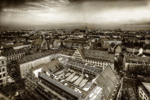 Nürnberg021c-5893-5895s-Wettbewerb-SW