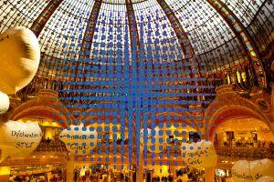 036-Paris6-GalerieLafayette17-TT1-AusstellungArt2